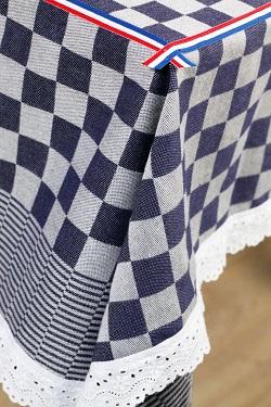 pompdoek-blauw-tafelkleed-3.jpg